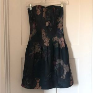 Strapless dress (straps also available)